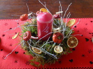 Christmas table centre with dried fruit